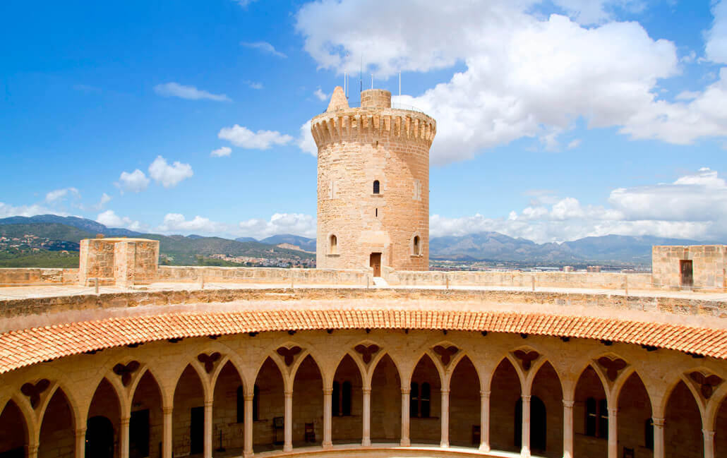 Bellver Castle is located near the aparthotel fontanellas beach in Mallorca