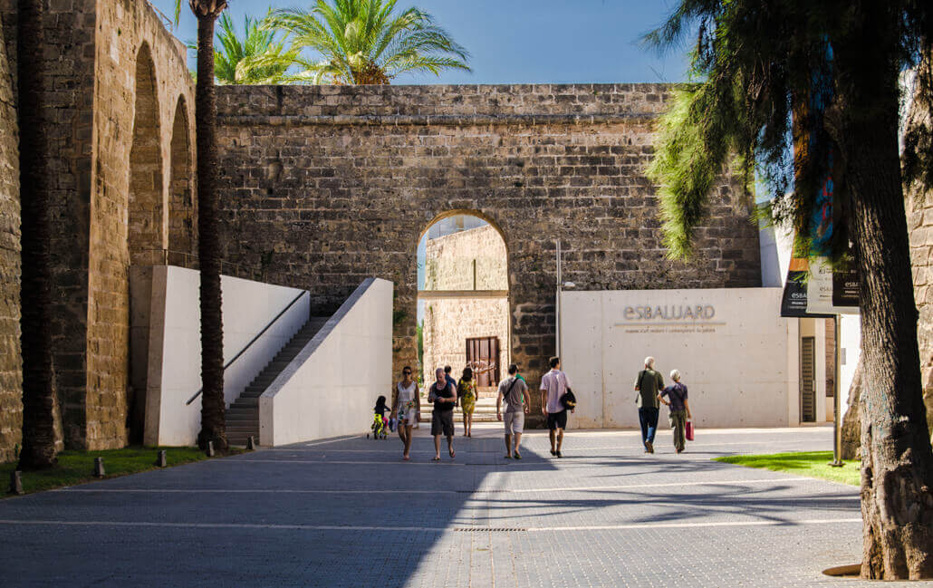 There are many museums near the aparthotel fontanellas playa in mallorca